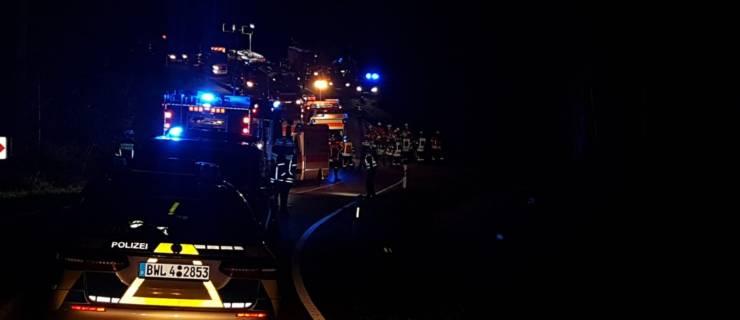 Verkehrsunfall mit Suchaktion beschäftigt mehrere Feuerwehren über viele Stunden