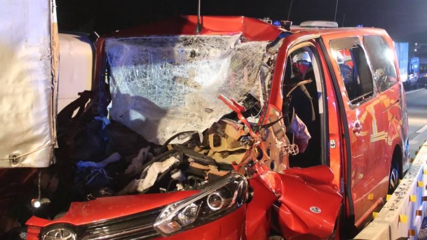 Schwerer Verkehrsunfall auf der BAB 5 bei Kronau