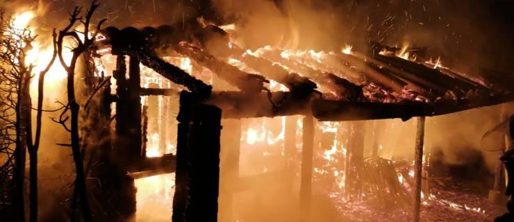 Zwei Brandstellen beschäftigte Feuerwehr über Stunden