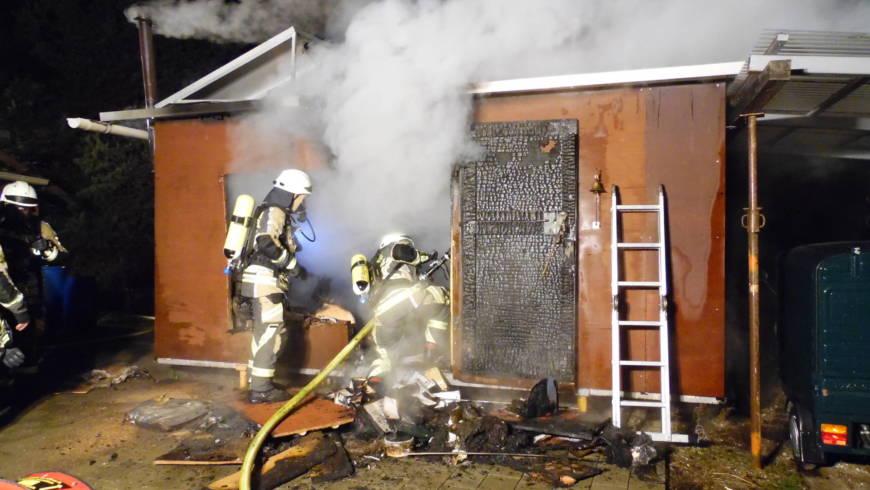 Toter bei einem Gartenhüttenbrand