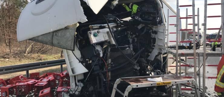 Schwerer LKW-Unfall auf der A5 – ein LKW-Fahrer schwer eingeklemmt