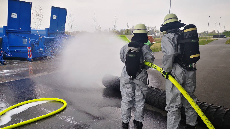Chemische Reaktion sorgt für größeren Gefahrguteinsatz