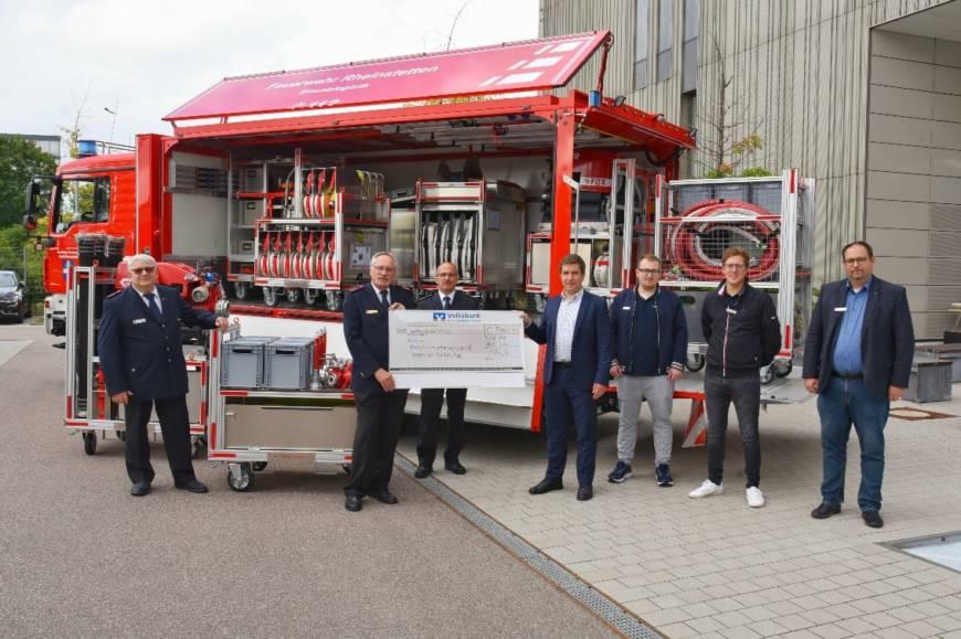 Für bessere Ausrüstung im Katastrophenschutz: Volksbank Karlsruhe Baden-Baden spendet 7.000 Euro für Einsatzmittel zur Versorgung und Unterbringung von Helferinnen und Helfern in betroffenen Krisenregionen