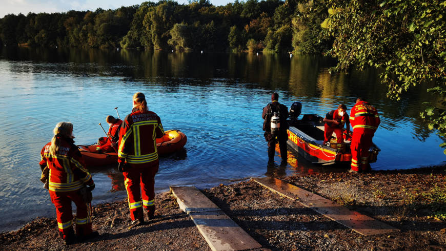 Taucher in Not – Baggersee Untergrombach